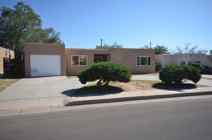 2206 Espanola Street NE, Albuquerque, NM 87110