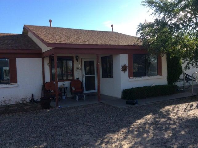 511 Apache Loop SW, Rio Rancho, NM 87124