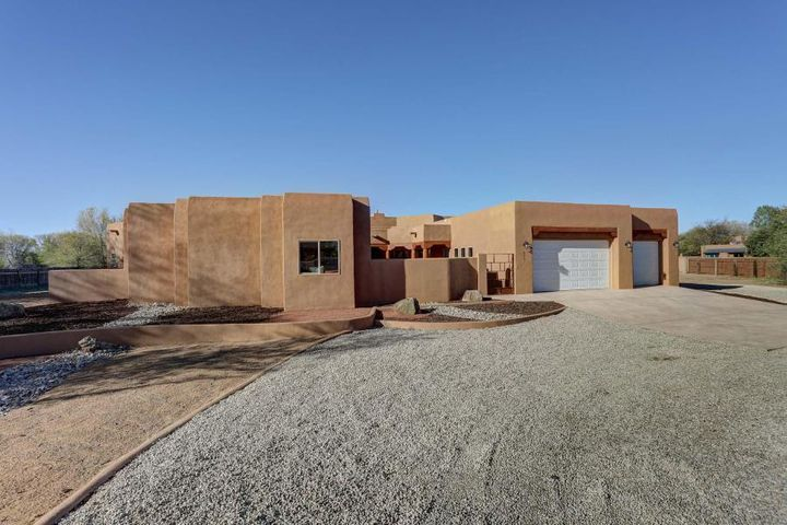 171 W Valverde Road, Corrales, NM 87048