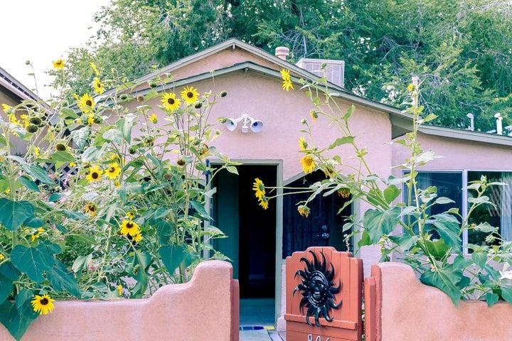 806 Stover Avenue SW, Albuquerque, NM 87102