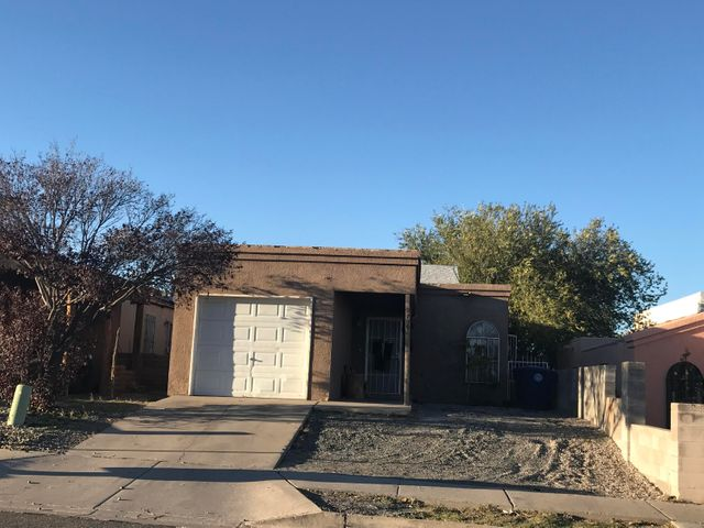 9709 Tierra Del Sol Avenue SW, Albuquerque, NM 87121