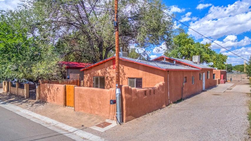 1401 Trujillo Road SW, Albuquerque, NM 87105