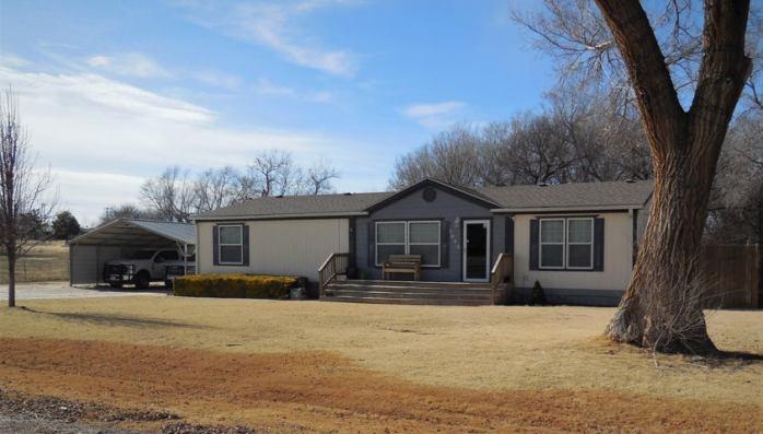 1013 N Choctaw St, Shamrock, TX 79079