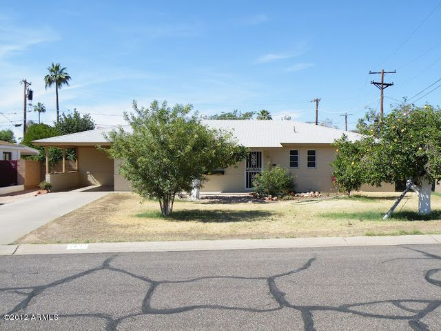 3042 E Highland Avenue, Phoenix, AZ 85016