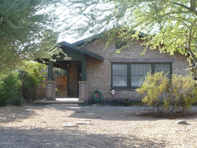 1631 E EARLL Drive, Phoenix, AZ 85016