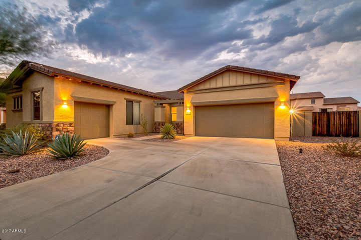 4520 W RUSHMORE Drive, New River, AZ 85087