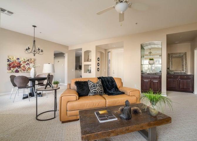 19550 N GRAYHAWK Drive, 1068, Scottsdale, AZ 85255