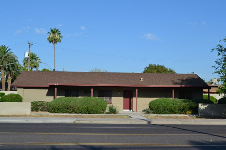 Camelback Biltmore Corridor Free Standing Office approx. 1393 sq. ft. Signage available