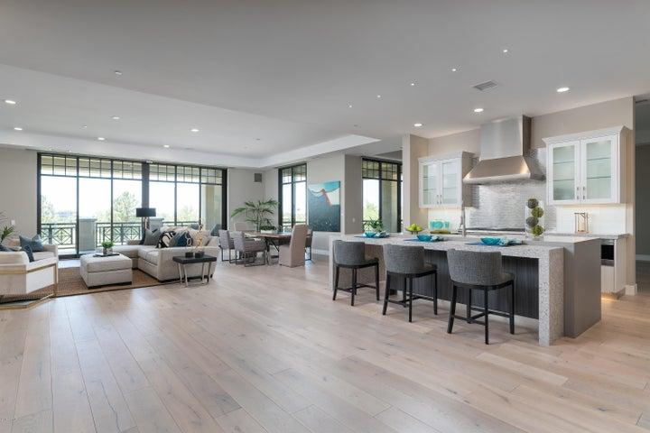 2 Biltmore Estates, 210, Phoenix, AZ 85016