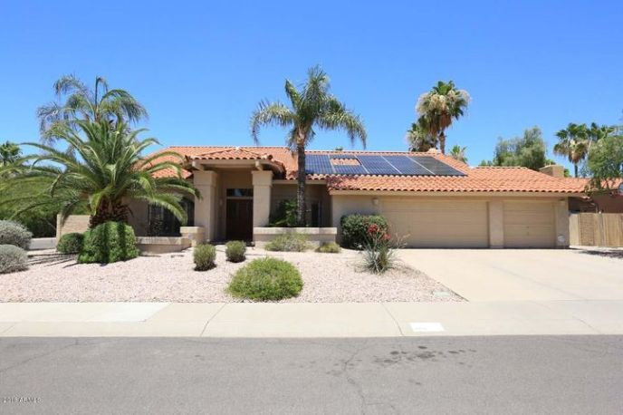 TESLA Solar Panels! What a 3-Car Garage, Rare Find!!