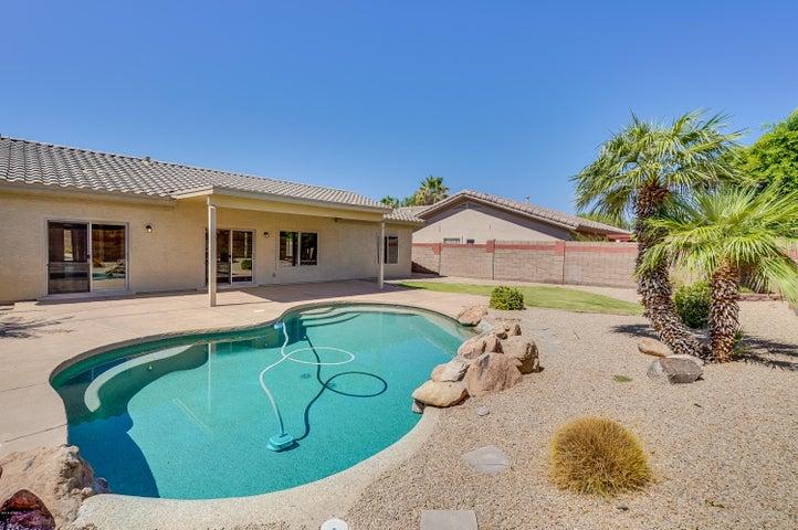 13262 W ROANOKE Avenue, Goodyear, AZ 85395