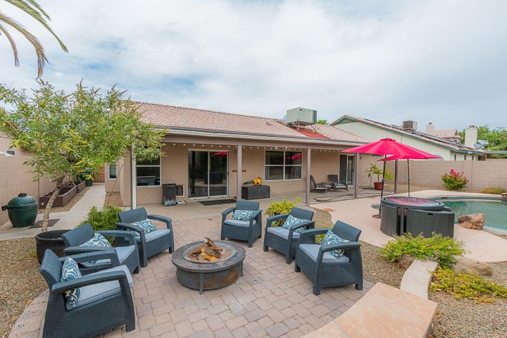 Perfectly paved entertaining area