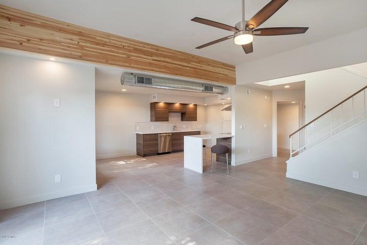 1920 E MARYLAND Avenue, 21, Phoenix, AZ 85016