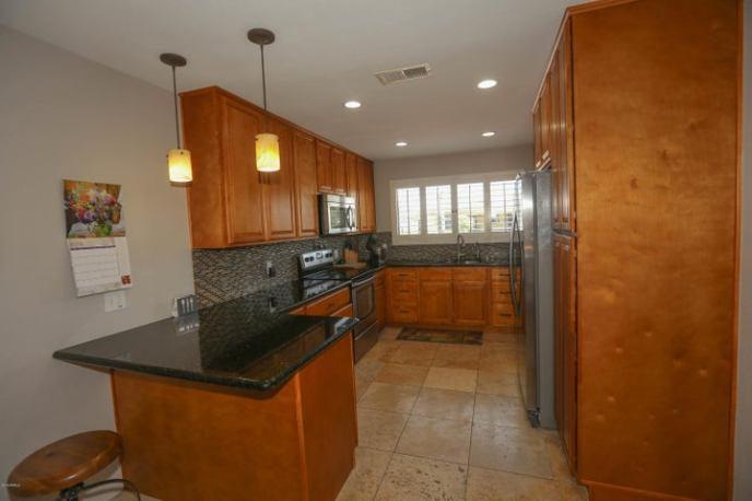 Fully updated convenient kitchen