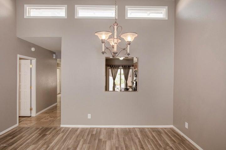 8100 E CAMELBACK Road, 79, Scottsdale, AZ 85251