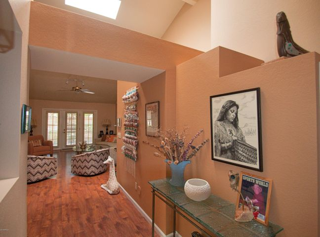 10512 E COCHISE Avenue, Scottsdale, AZ 85258