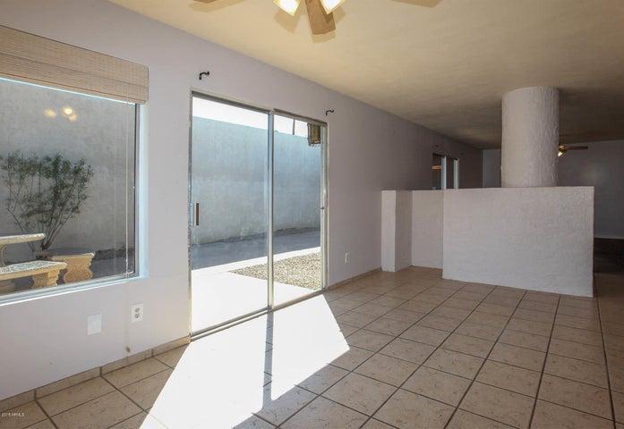 3128 W MERCER Lane, Phoenix, AZ 85029