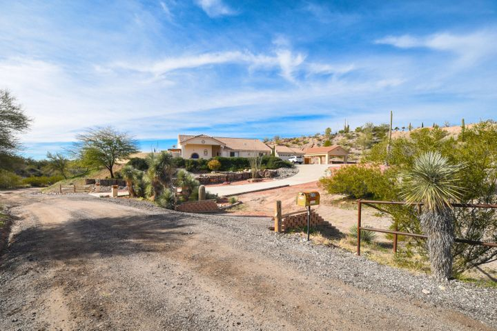 530 N Stonehedge Ranch Road, Wickenburg, AZ 85390