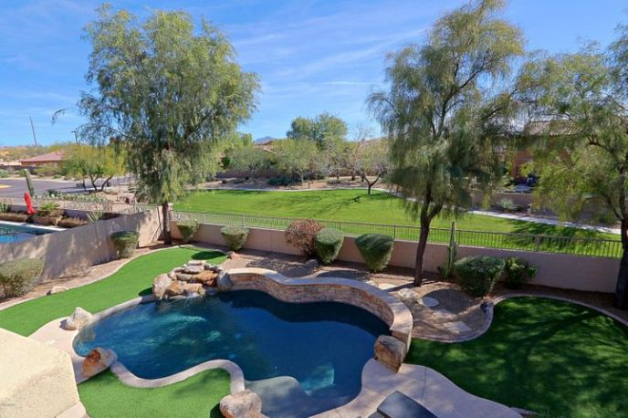 Pool features a net custom to the pool, will convey with the sale.