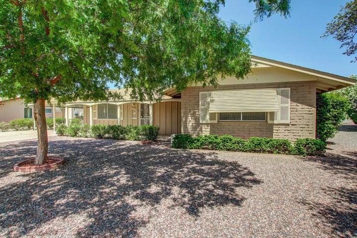 9920 W CROSBY Circle, Sun City, AZ 85351