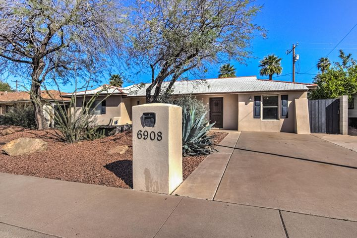 6908 E CHEERY LYNN Road, Scottsdale, AZ 85251