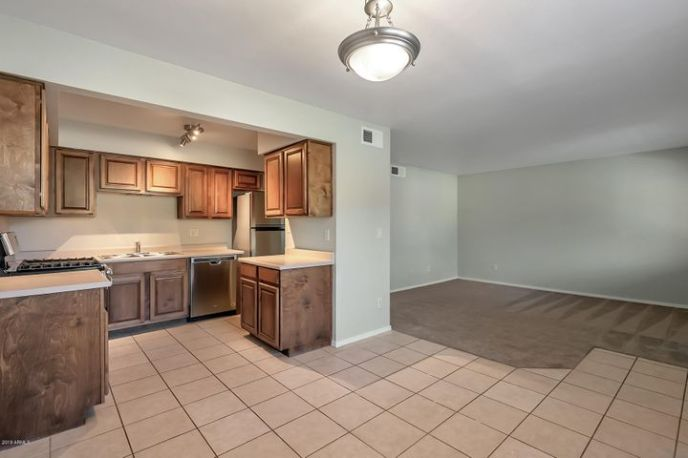 303 N MILLER Road, 1002, Scottsdale, AZ 85257
