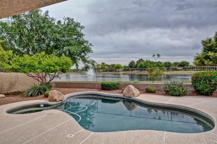 6987 W MONONA Drive, Glendale, AZ 85308