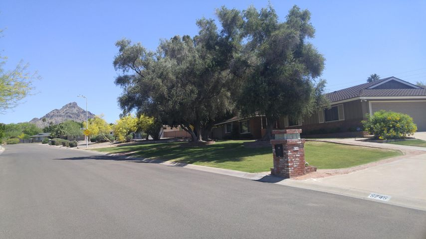 5745 N 23RD Place, Phoenix, AZ 85016