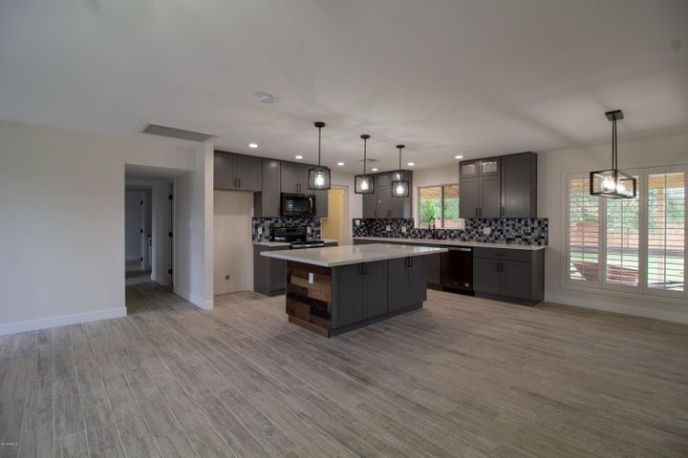 8531 E ROMA Avenue, Scottsdale, AZ 85251