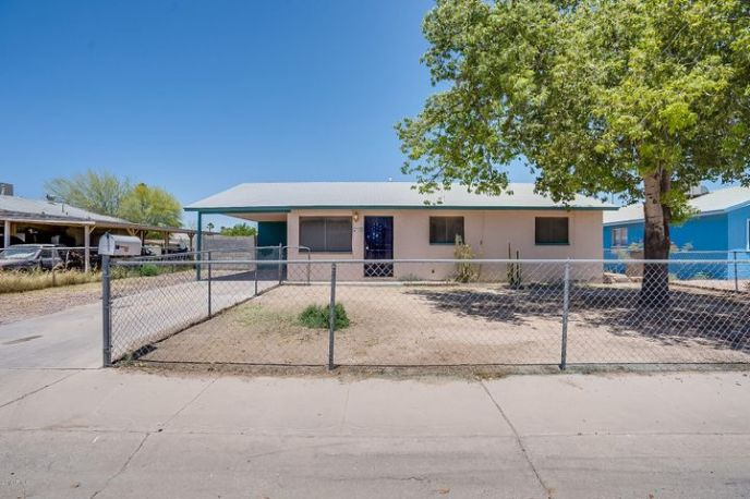 132 W BARRUS Place, Casa Grande, AZ 85122