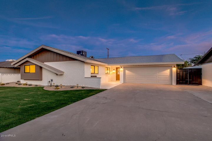 8319 E CLARENDON Avenue, Scottsdale, AZ 85251