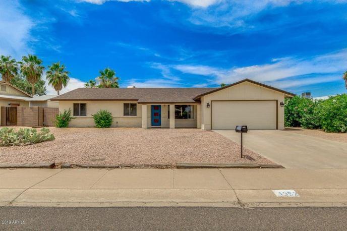4352 E LA PUENTE Avenue, Phoenix, AZ 85044