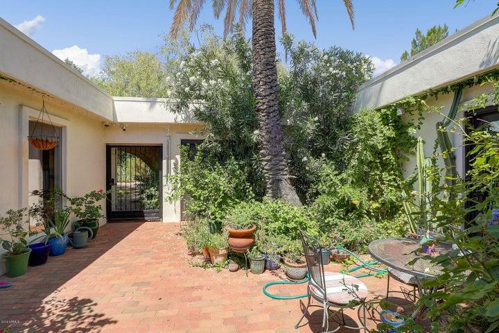 6524 N 61ST Street, Paradise Valley, AZ 85253