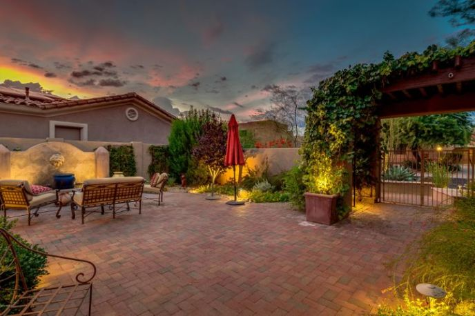 8055 E WINDWOOD Lane, Scottsdale, AZ 85255