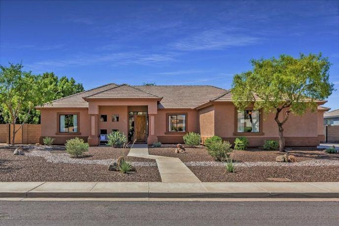 6951 E GRANDVIEW Street, Mesa, AZ 85207