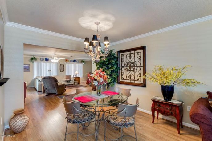 Very Nice dining room that overlooks Family Room and Living Room!