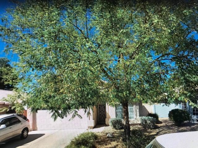 178 W LIBERTY Lane W, Gilbert, AZ 85233