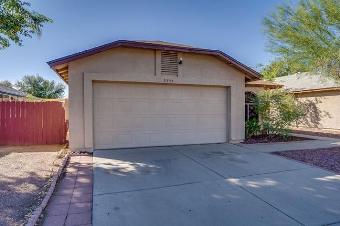 8944 N 64TH Lane, Glendale, AZ 85302