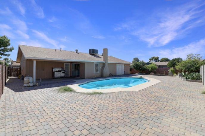 8534 W MITCHELL Drive, Phoenix, AZ 85037