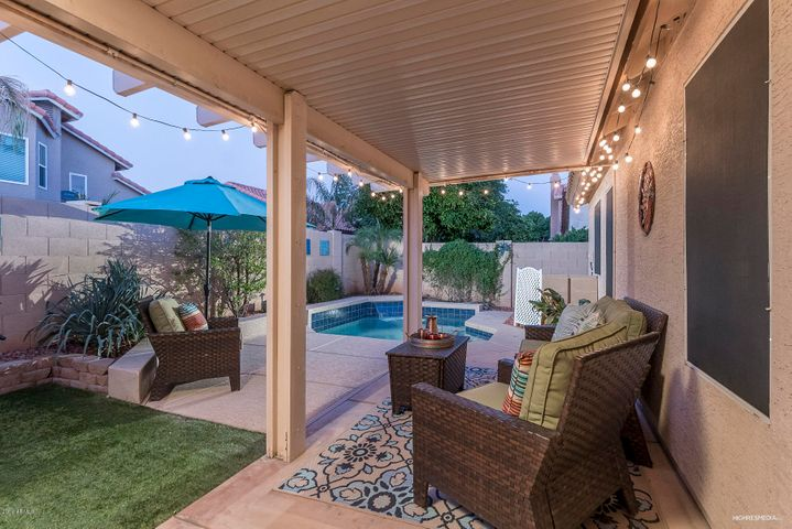 Backyard Oasis - Great for Entertaining!