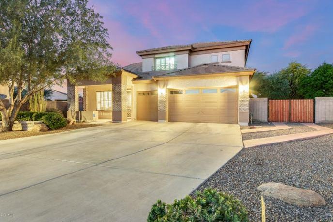 8408 W MIDWAY Avenue, Glendale, AZ 85305