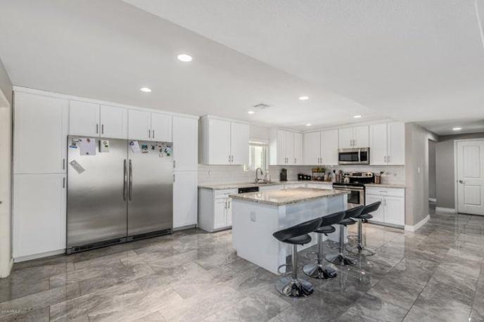 8631 E TURNEY Avenue, Scottsdale, AZ 85251