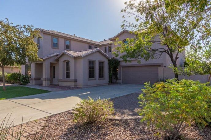 8375 W LUKE Avenue, Glendale, AZ 85305