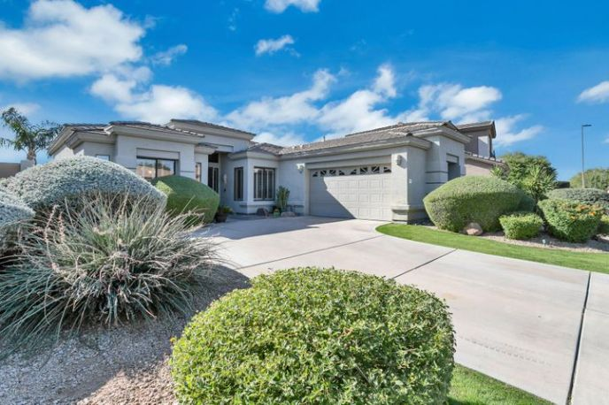 4915 E HAMBLIN Drive, Phoenix, AZ 85054