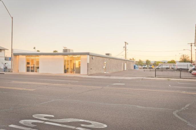 2225 E MCDOWELL Road, Phoenix, AZ 85006