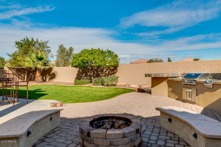 22156 W MOONLIGHT Path, Buckeye, AZ 85326