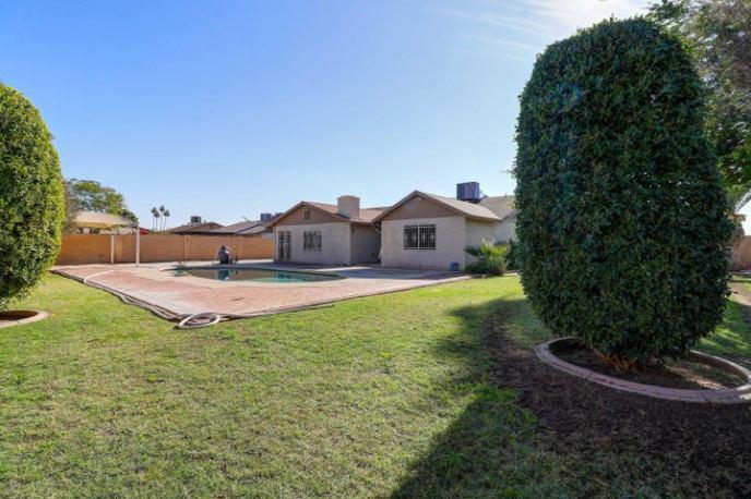 7040 W COLTER Street, Glendale, AZ 85303