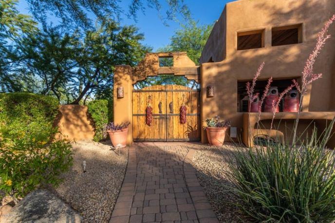6701 E BLUEBIRD Lane, Paradise Valley, AZ 85253