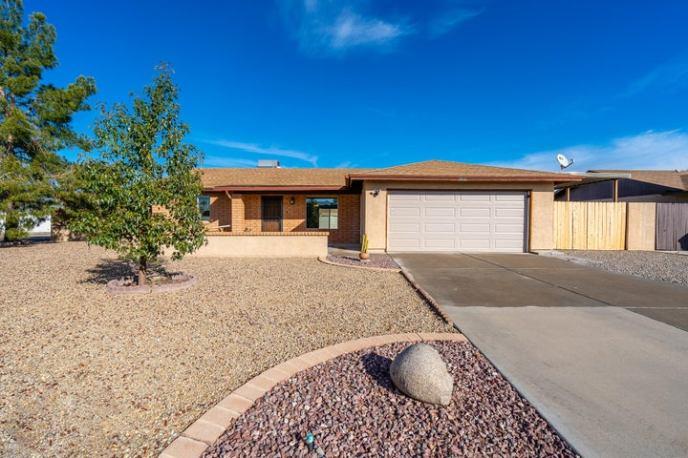 8846 W HATCHER Road, Peoria, AZ 85345