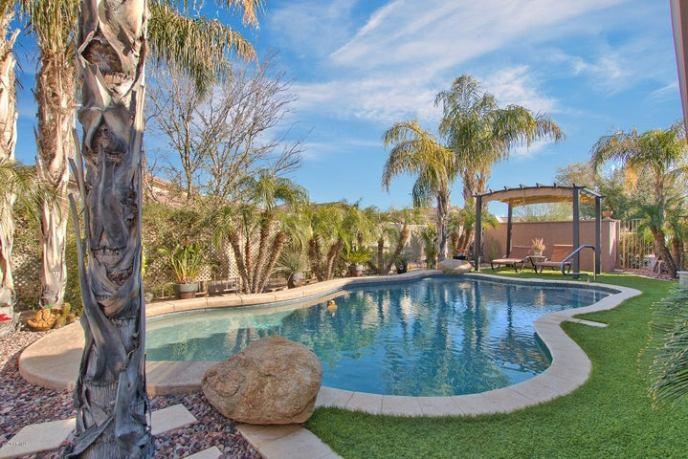 4526 E CAROB Drive, Gilbert, AZ 85298